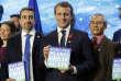 «La question fondamentale qui se pose aujourd'hui est de savoir si l'urgence climatique ne justifie pas d'orienter le développement du commerce international de façon à limiter les émissions de gaz à effet de serre.» (Photo: Emmanuel Macron, le11décembre, à Paris, la veille du One Planet Summit.)
