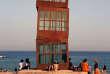 «Estel ferit» («étoile blessée»), œuvre de l'artiste allemandeRebecca Horn installée sur une plagede Barcelone, en2007.