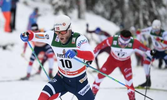 Martin Johnsrud Sundby lors d'une compétition à Kuusamo, en Finlande, le26novembre 2017.