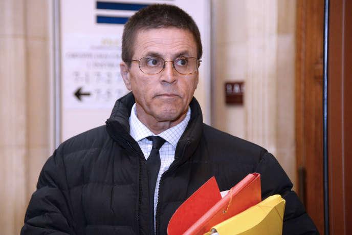 Hassan Diab, arrêté en novembre 2008 pour son rôle supposé dans l'attentat contre la synagogue de la rue de Copernic en 1980, arrivant au palais de justice de Paris en mai 2016.