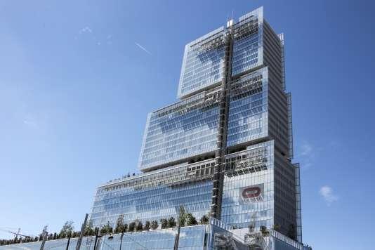 Le nouveau palais de justice de Paris, né d'un partenariat avec le groupe privé de BTP Bouygues, qui coûtera 86 millions d'euros par an jusqu'en 2044.