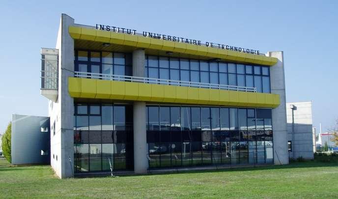 Institut universitaire technologique de l'Allier – université Clermont-Auvergne – 2006.