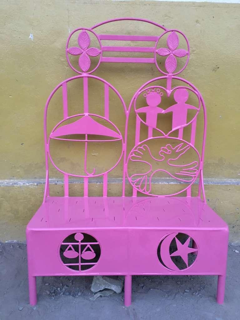 « Les Chaises de la dignité», de Hervé Yamguen.