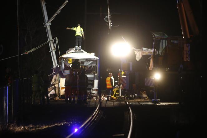 Sur le site de l'accident à Millas, le 14 décembre.