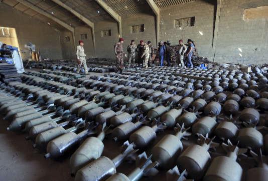 Armes et munitions de l'EI saisies par les forces irakiennes, en septembre 2016.