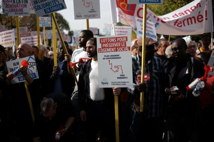 Manifestation, le 16 octobre 2017 à Paris, pour protester contre la baisse des APL.