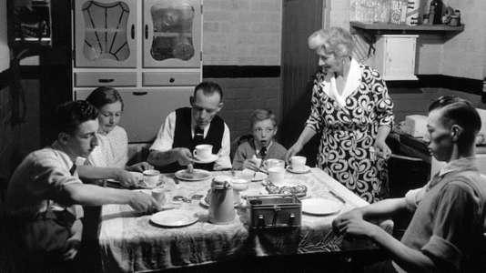 Jusqu'à 10 ans, rester à table au-delà d'un temps raisonnable pour s'alimenter est de l'ordre de l'exploit.
