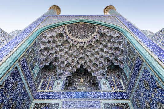 Quatorze jours ne seront pas de trop pour découvrir l'Iran, de Téhéran à Chiraz, en passant par Ispahan (ici, la mosquée Emam).