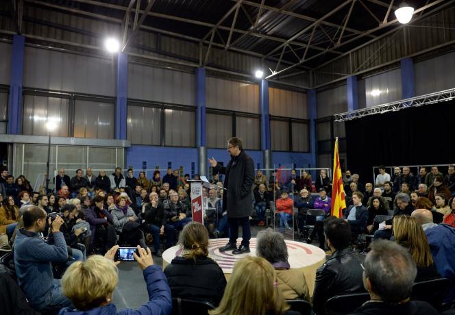 Xavier Domenech, tête de liste deCatalogne en commun-Podem, le 15 décembre àBadalona.