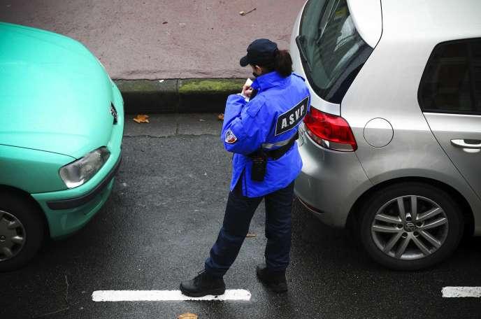 Une agente de la police municipale,à Toulouse, en février 2013.