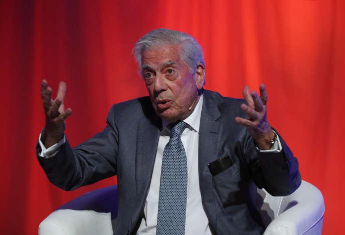 Le Prix Nobel de littérature Mario Vargas Llosa, le 16 décembre 2017.