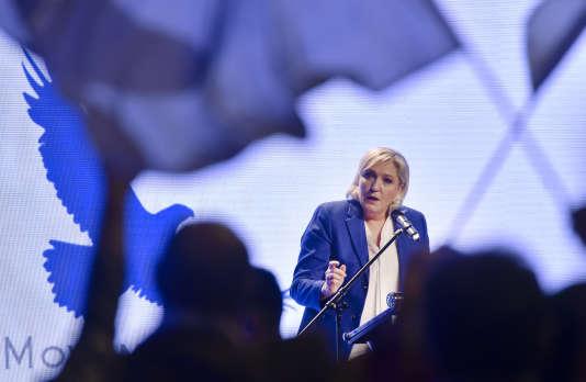 La présidente du Front national, Marine Le Pen, durant son discours devant des parlementaires européens d'extrême droite, à Prague, le 6 décembre 2017.