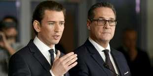 Le futur chancelier autrichien, Sebastian Kurz, et le chef de file de l'extrême droite Heinz-Christian Strache, le 16 décembre à Vienne.