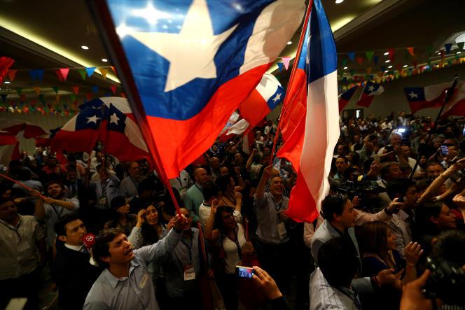Au quartier général de Sebastian Piñera, vainqueur du second tour de l'élection présidentielle au Chili, le 17 décembre.