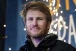 Le navigateur français Francois Gabart a réalisé le tour du monde en 42 jours, 16 heures, 40 minutes and 35 secondes, le 17 décembre 2017.