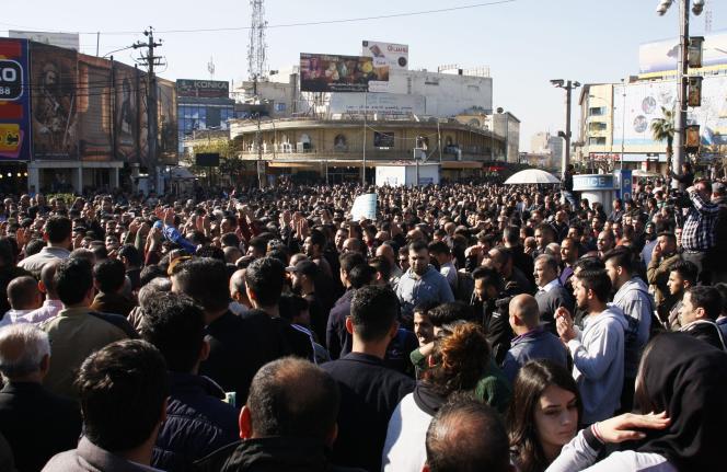 Manifestants à Souleimaniyé, le 18 décembre.