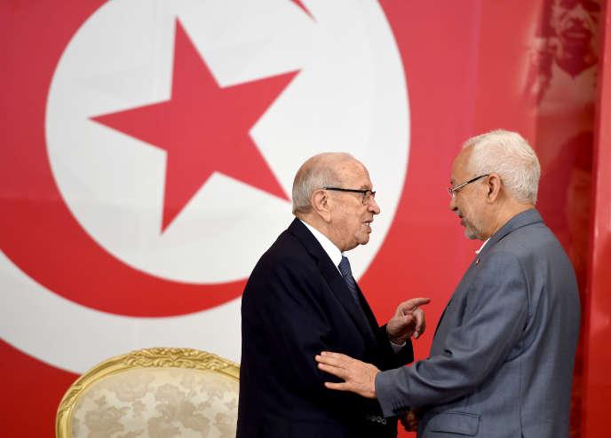 Le président tunisien Béji Caid Essebsi (à gauche) et le dirigeant du parti islamiste Rached Ghanouchi à Carthage, le 13 juillet 2016.