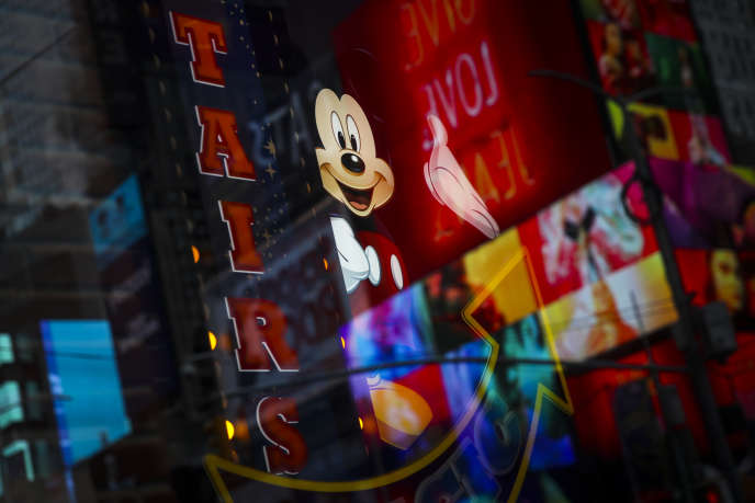 Le Disney Store de Times Square à New York, le 14 décembre, jour de l'annonce du rachat par Disney de la majeure partie de 21st Century Fox pour 66 milliards de dollars (56 milliards d'euros).