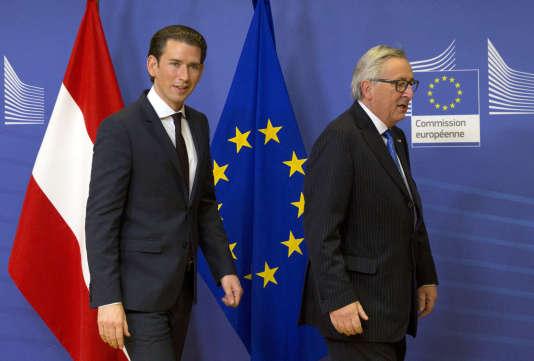 Le chancelier autrichien, Sebastian Kurz, et le président de la Commission européenne, Jean-Claude Juncker, à Bruxelles, le 19 décembre.