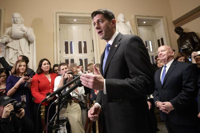 « C'est l'exemple parfait d'une promesse faite et d'une promesse tenue, s'est réjoui Paul Ryan, président de la Chambre et porteur de la réforme. Nous rendons aux gens de ce pays leur argent, c'est leur argent ! ».
