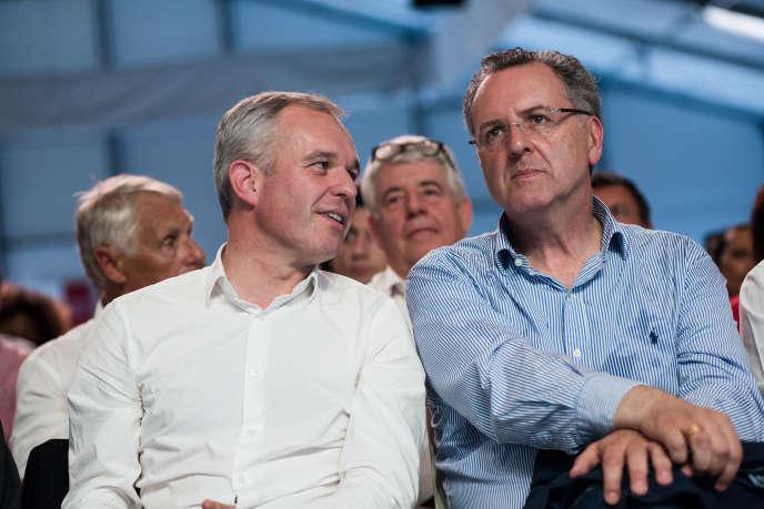 François de Rugy et Richard Ferrand, pendant la convention de La République en marche, à Paris, le 8 juillet.