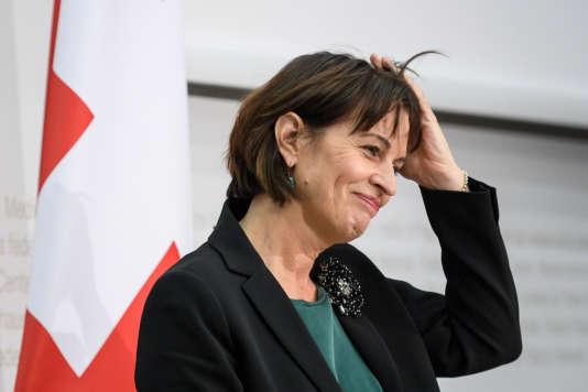 La ministre suisse de la communication, Doris Leuthard (ici à Berne, le 23 novembre) prépare une réforme en avril 2018 en cas d'échec de la votation populaire « No Billag ».