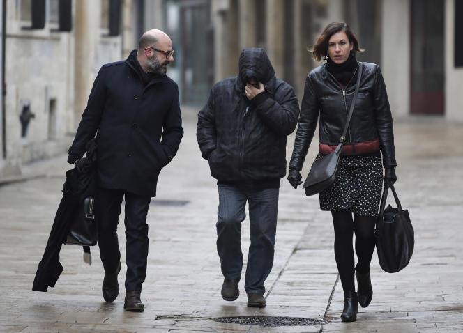 Marcel Jacob, accompagné de ses avocats, le 4 décembre.