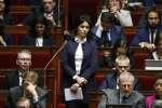 La députée LRM Sonia Krimi a critiqué, mardi 19 décembre, le futur projet de loi du gouvernement sur l'immigration et l'asile. Un texte applaudi par le banc des députés La France insoumise.