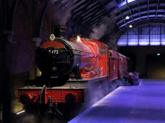 Rendez-vous voie 9¾ pour monter à bord du Poudlard Express...