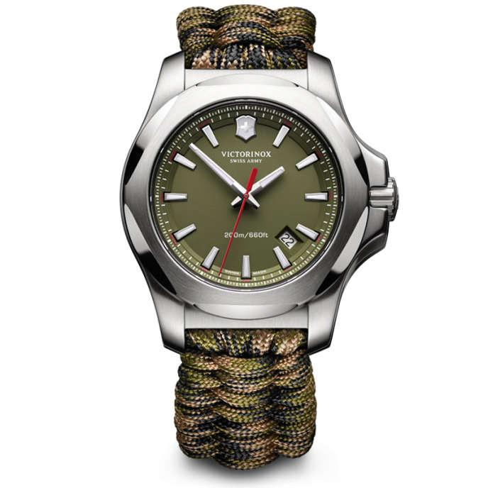 Victorinox I.N.O.X Titanium sur bracelet Paracord dénouable et transformable en corde de survie.
