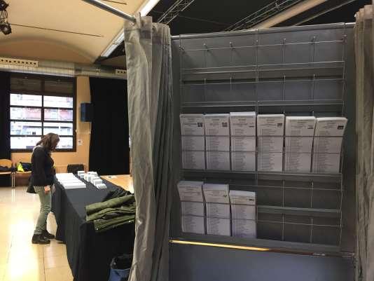 Bureau de vote dans le quartier de Gracia, à Barcelone.