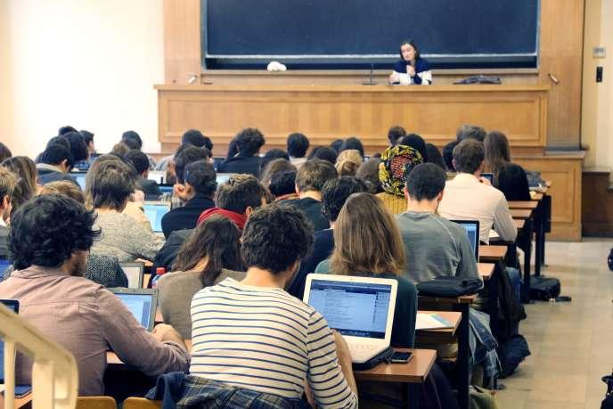 Université Paris-I Panthéon-Sorbonne, octobre 2013.