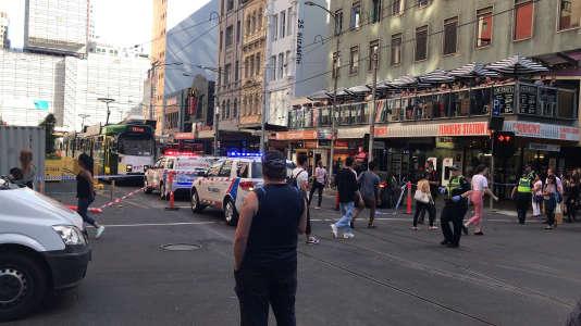 A Melbourne, non loin du lieu où une voiture a fauché des piétons jeudi 21 décembre.