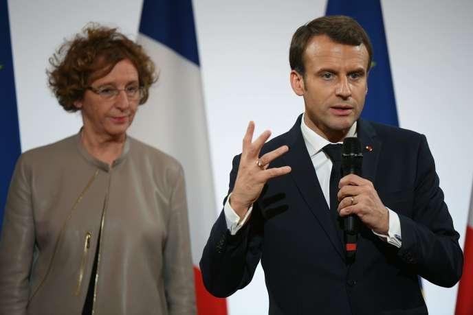 La ministre du travail, Muriel Pénicaud, et le président Emmanuel Macron, le 21décembre à Paris.
