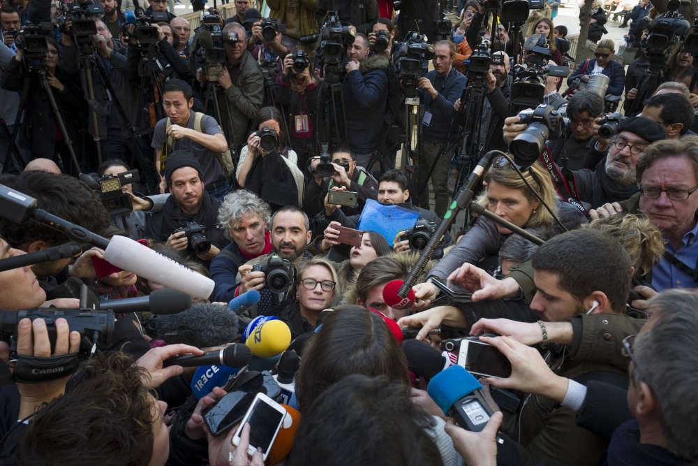 La presse du monde entier est venue à Barcelone pour suivre cette élection; ici, durant une conférence de presse de la candidate du parti Ciudadanos, Ines Arrimadas.