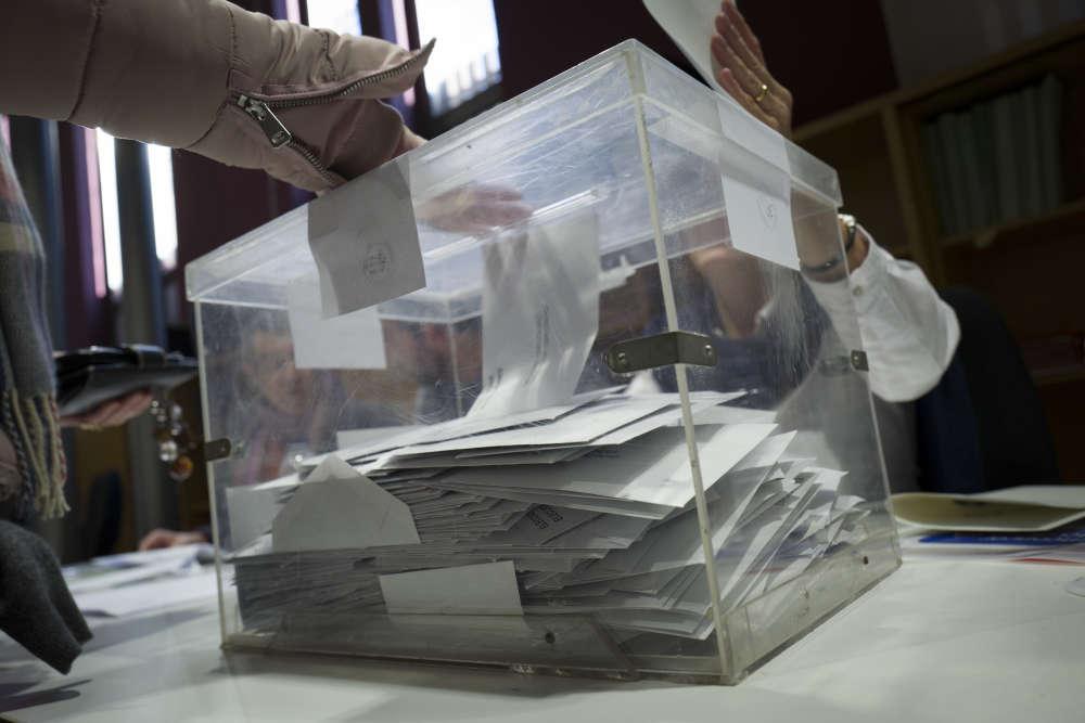 Quatre-vingt-deux pour cent des électeurs se sont déplacés pour voter.