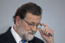 Spain's Prime Minister Mariano Rajoy pauses during a news conference in Madrid, Spain, Friday, Dec. 22, 2017. Catalonia's secessionist parties won enough votes Thursday to regain a slim majority in the regional parliament and give new momentum to their political struggle for independence from Spain. (AP Photo/Paul White)