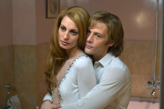 Dalida (SvevaAlviti) et Richard Chanfray(Nicolas Duvauchelle) dans le film «Dalida», de Lisa Azuelos.