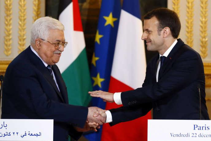 Emmanuel Macron et Mahmoud Abbas à l'Elysée, le 22 décembre.