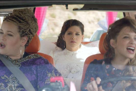 Dans «The Wedding Plan»,Michal (Noa Koler, au centre) est bien décidée à se marier le jour prévu malgré la défection de son fiancé.