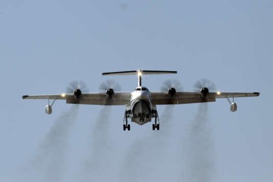 la chine fait voler l ag600 plus gros avion amphibie au monde. Black Bedroom Furniture Sets. Home Design Ideas
