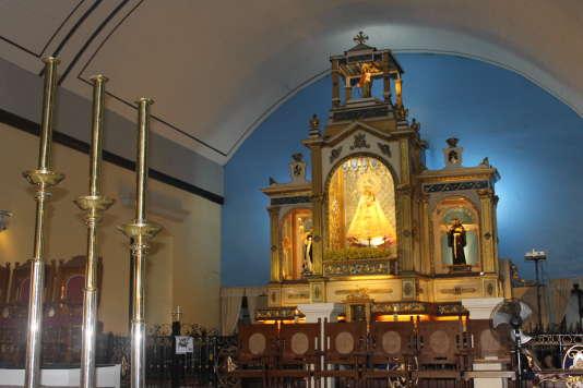 L'EgliseNotre-Dame-du-Très-Saint-Rosaire à Manaoag, aux Philippines.
