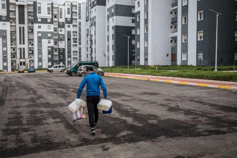 L'accès à l'eau courante n'est pas garanti pour les habitants. En réponse, les résidents ne paient plus leurs factures.