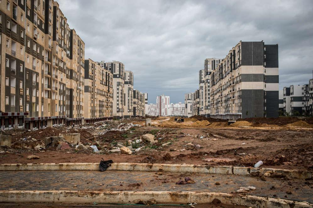 Seule une partie de cette ville nouvelle est habitée. Le reste est un gigantesque chantier.