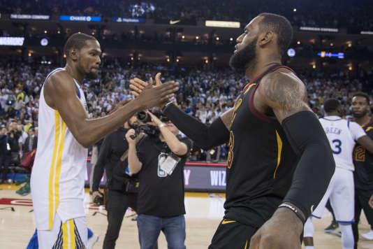 Kevin Durant et LeBron James, en décembre 2017.