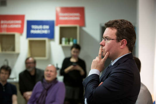 Le député Guillaume Gouffier-Cha (LRM) lors d'uneréunion publique façon «questions au gouvernement», à Vincennes (Val-de-Marne), le 19 décembre.