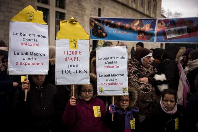 Manifestation de l'association« Droit au logement», le lundi 25 décembre, à Paris.