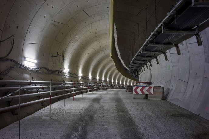 Travaux souterrains de prolongation de la ligne 14 du métro parisien en direction de Clichy-la-Garenne, Saint-Ouen et Saint-Denis.