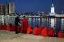 Des immigrés clandestins contrôlés par les autorités espagnoles à leur arrivée au port de Malaga (Espagne), le 7 décembre.
