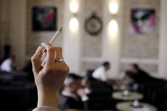 Votée en 2015, la loi devait interdire le tabac dans les bars, restaurants et discothèques autrichiens.